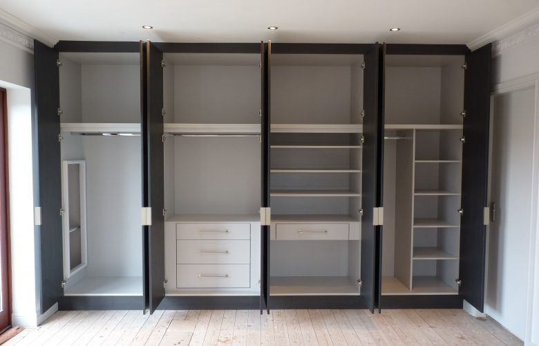 Choose the right built in wardrobe design before you buy